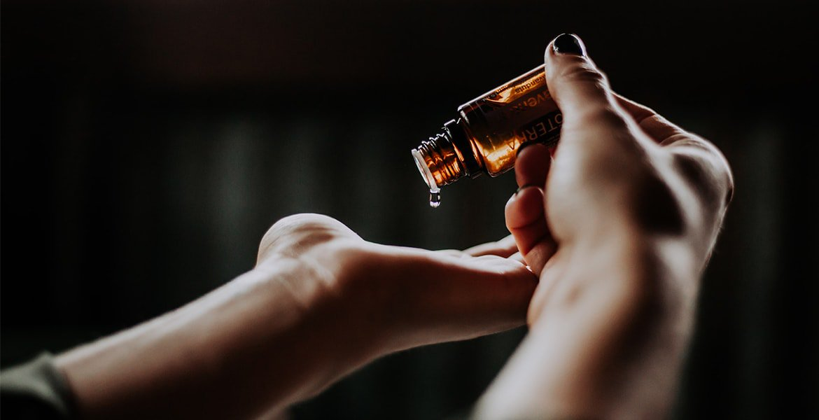 How to Distinguish High-Quality CBD Oil from Scam Products